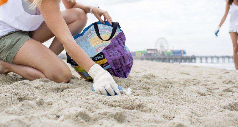 neteja platja surfrider